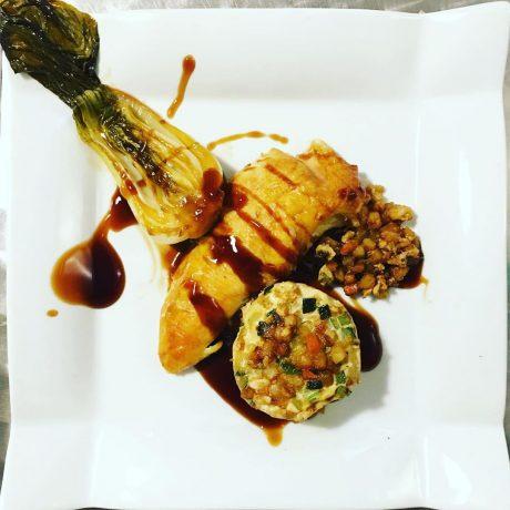Poulet rôti gratin de légumes et Pak Choï braisée