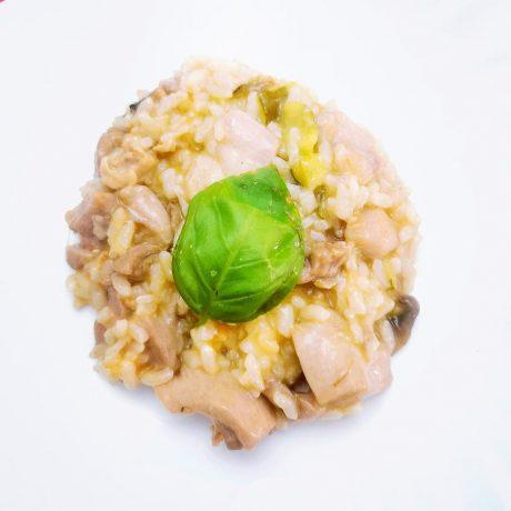 Risotto au poulet champignons et courgette